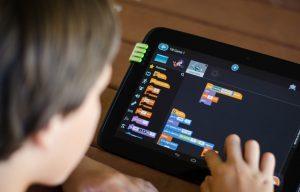 programmeur de robot éducatif pour enfants